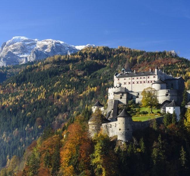 Festung Hohenwerfen, im Hintergrund der Hochkönig